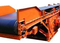 物料输送角度大可选择波状档边皮带输送机